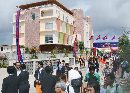 カンボジア 海外進出